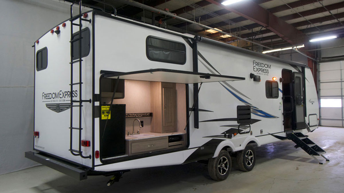 10 Best Travel Trailers For Large Families 2