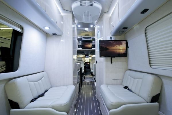 Do Electrical Outlets Work In A Motorhome While Driving? 4