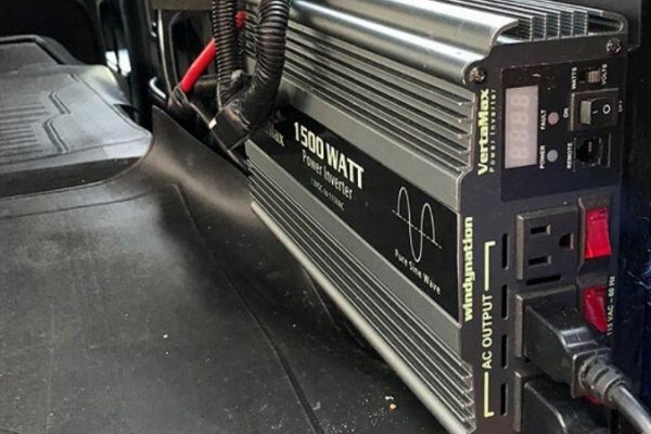 Do Electrical Outlets Work In A Motorhome While Driving? 1